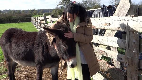 Laïla Del Monte avec notre âne Vishnou